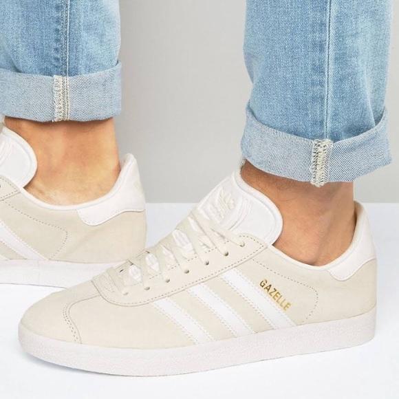 NWT Adidas Originals Gazelle Sneakers Off White